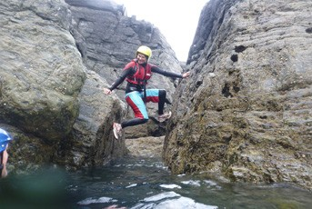 coasteering_crawl